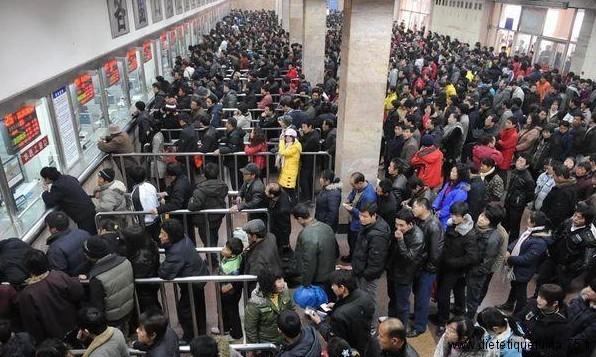 attente dans une gare chinoise